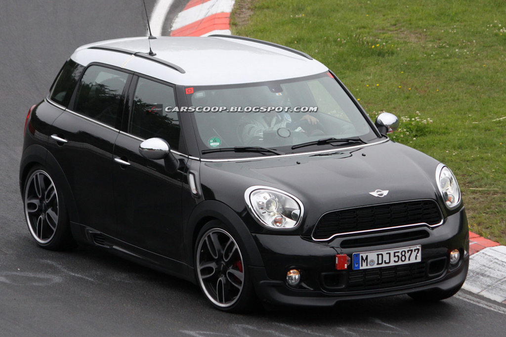 Mini Countryman John Cooper Works. Фото Carscoop.
