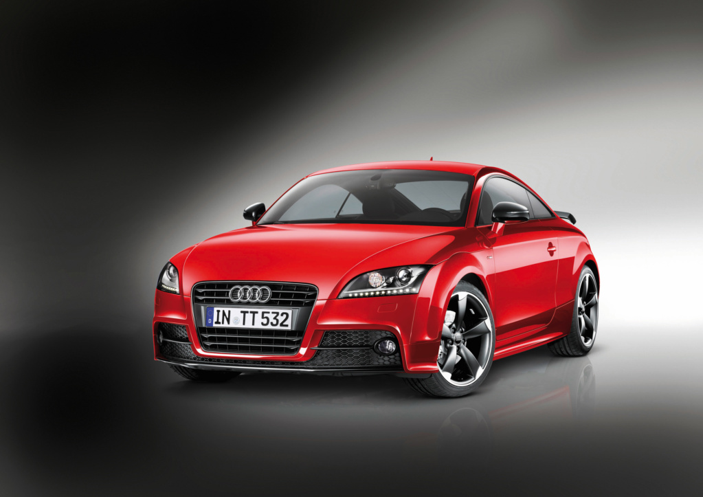 Audi TT Coupe S Line Competition. Фото Audi
