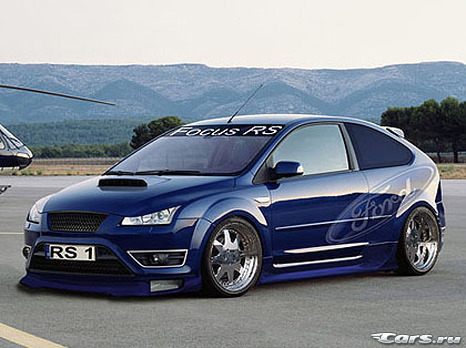 Ford Focus RS vs Mitsubishi Evolution X