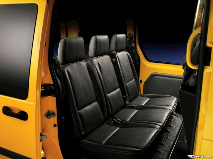 Ford Transit  Connect Taxi на выставке в Чикаго
