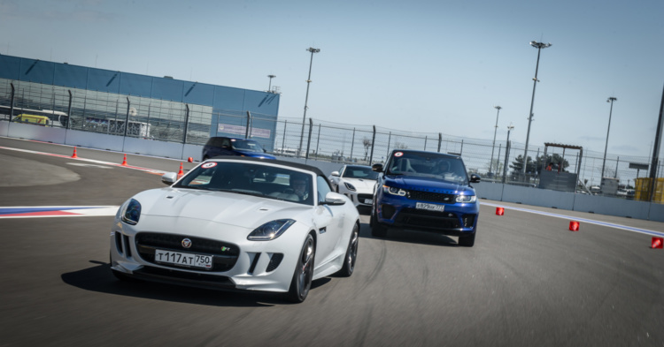 Жжем тормоза Range Rover Sport SVR и полноприводных Jaguar F-Type в Сочи